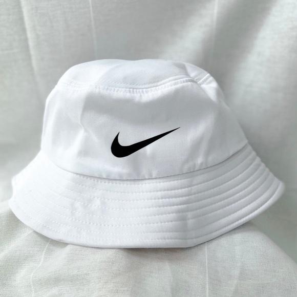Nike bucket hat ✨🤍